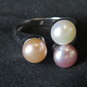 Jewelry - Sterling silver & faux pearl triad ring SZ 5.5